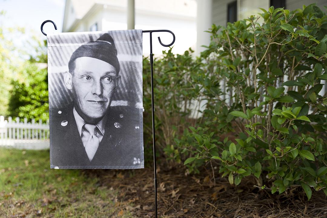 make a vintage photo garden flag